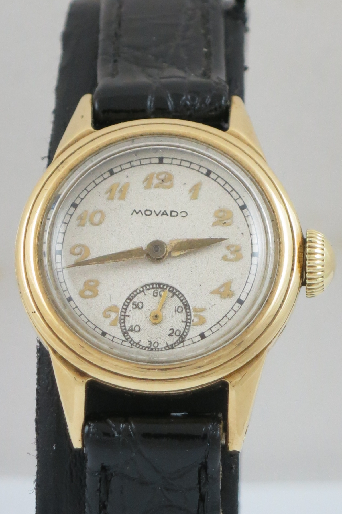 VINTAGE LADIES MOVADO MECHANICAL 18CT GOLD WATCH