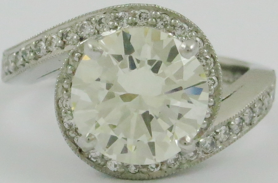 Pre-Owned Diamond fancy solitaire ring